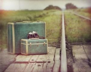 Bavullar ve foto makine